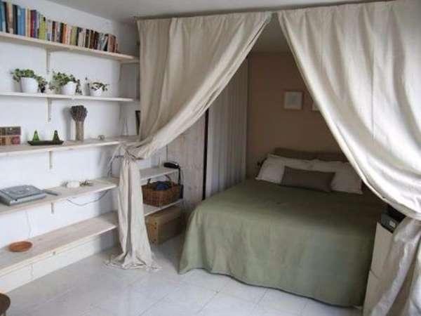Маленькая квартира студия - дизайн интерьера и планировка со шторами