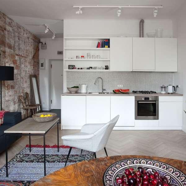 Стильный дизайн однокомнатной квартиры - совмещенная кухня гостиная