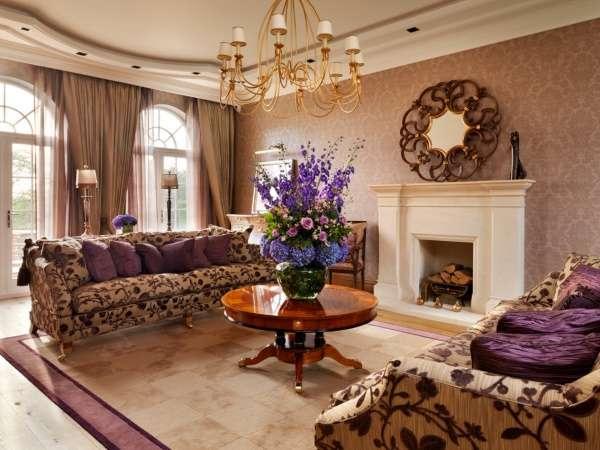 Интерьер загородного дома в классическом стиле - фото зала