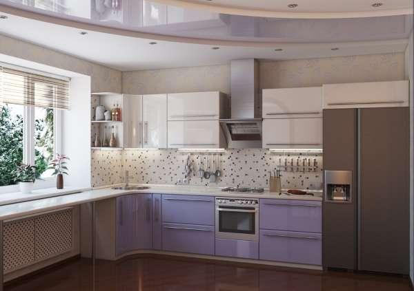 Интерьер небольшой кухни с окном в частном доме - фото