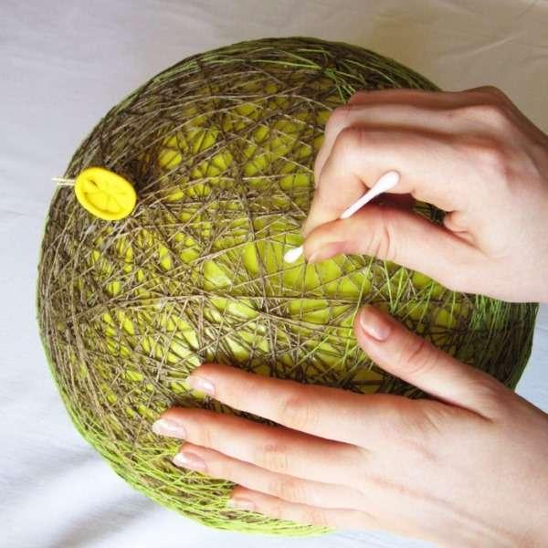 Создание светильника из воздушного шара и ниток своими руками пошагово с фото