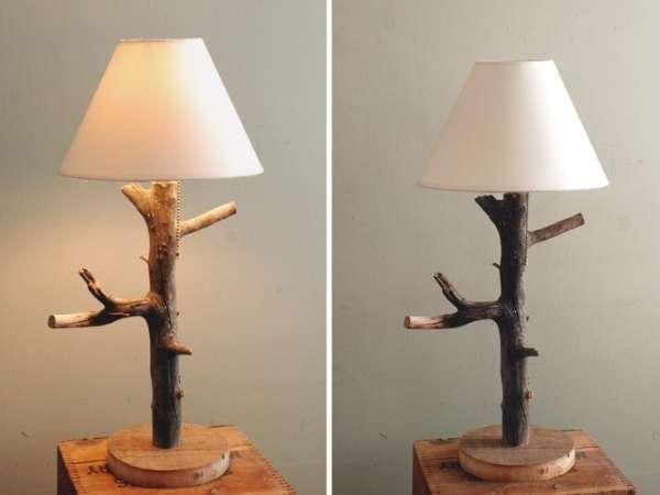 Самодельная настольная лампа из дерева - фото