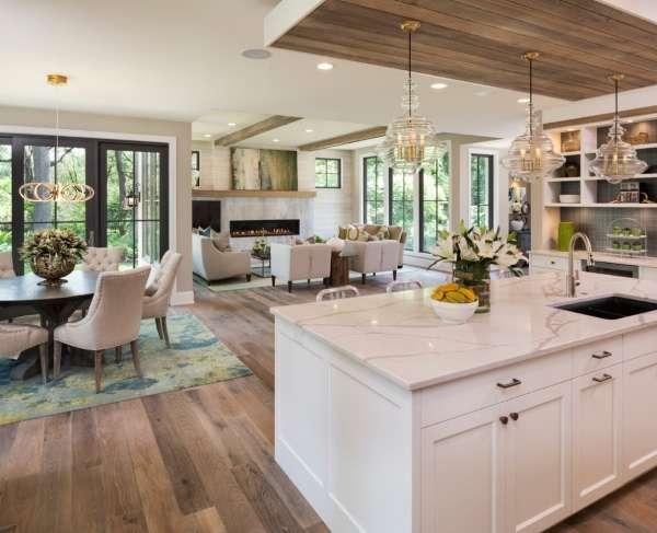 Интерьер современной кухни гостиной столовой на фото частного дома