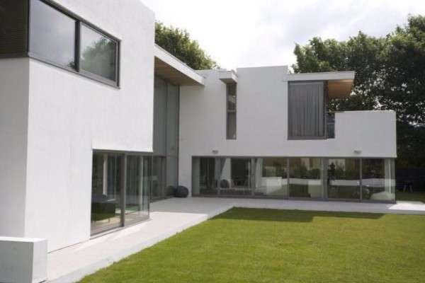 Красивый дизайн фасада частного дома снаружи