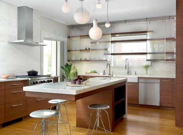 Стеклянные двери для шкафа на кухне - фото необычных идей