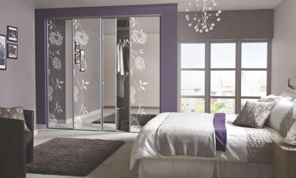 Зеркальные шкафы купе - фото в спальню с рисунком
