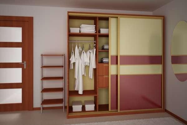 Цветные стеклянные двери для шкафов купе - фото в интерьере