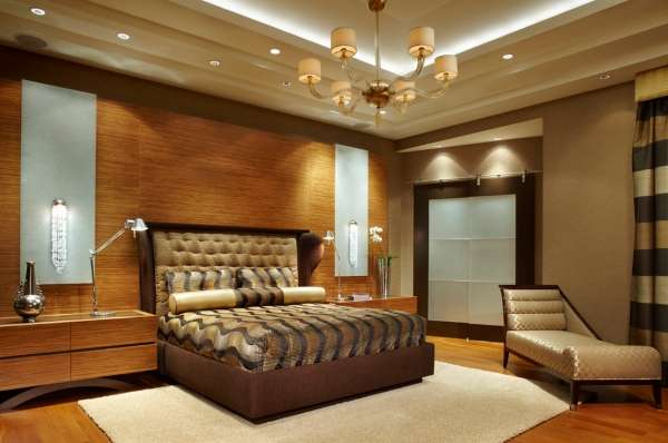 Встроенный в стену шкаф купе - фото в интерьере спальни