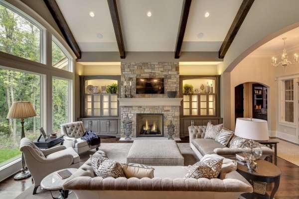 Интерьер зала загородного дома в современном стиле