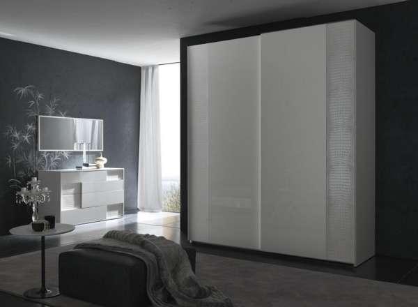 Красивые шкафы купе для спальни - фото белый глянец