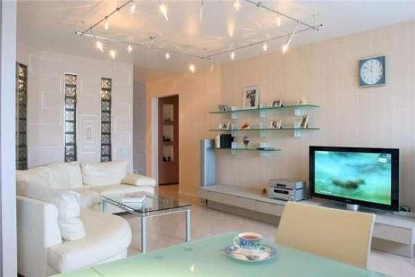Дизайн маленькой квартиры студии 30 кв м в стиле хай-тек - фото гостиной