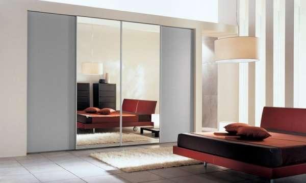 Зеркальные шкафы купе в спальню - фото в дизайне интерьера