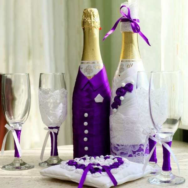 Как своими руками украсить свадебные бутылки