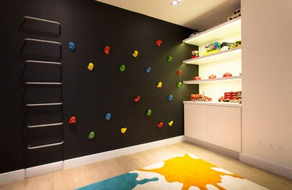 Необычное сочетание цветов в интерьере детской комнаты