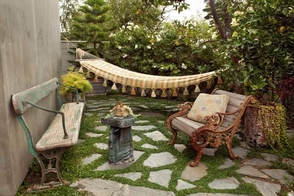 Как украсить двор своими руками - фото красивой зоны отдыха