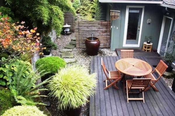 Как украсить двор своими руками - фото садовой мебели и декора