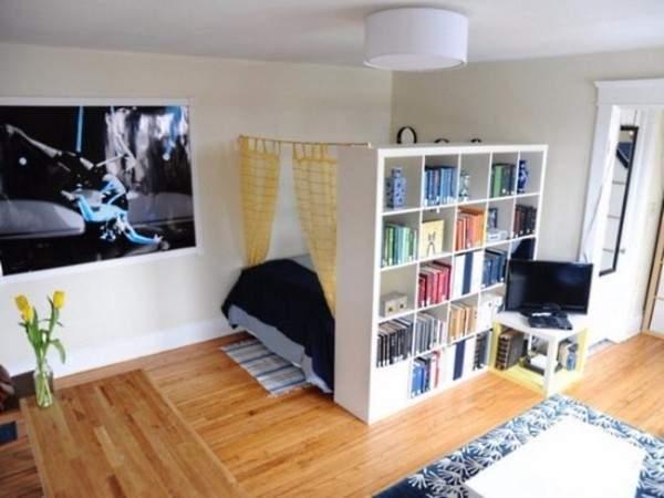Дизайн квартиры студии квадратной планировки - фото спальни