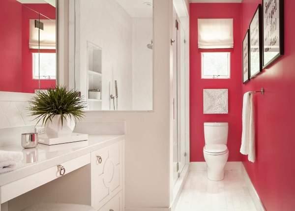 Красивая маленькая ванная комната - фото в белом и розовом цвете