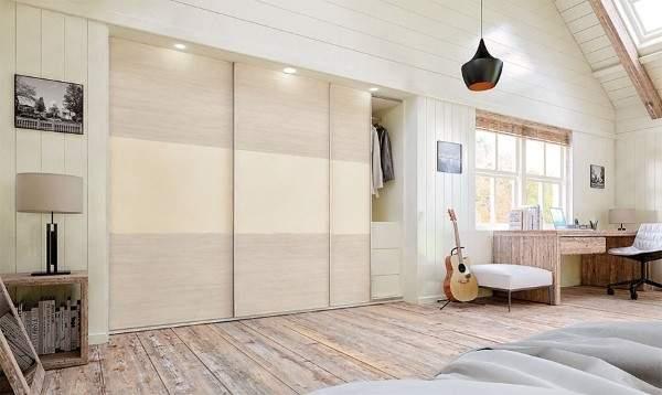 Идеи шкафа купе в спальне - встроенная модель с подсветкой