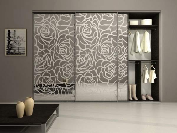 Красивые шкафы купе в спальню - фото дизайн с рисунком