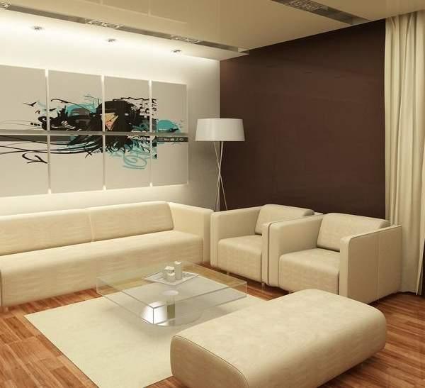 Дизайн современной гостиной в частном доме с белой мягкой мебелью