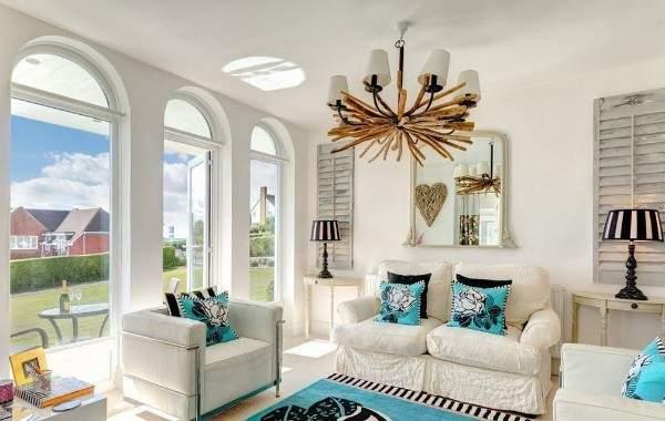 Как обставить зал в частном доме - необычный дизайн на фото