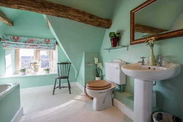 Красивые интерьеры ванных комнат - фото ванной в мятно-зеленом цвете