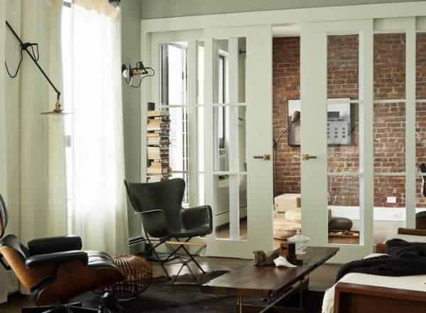 Сдвижные стеклянные двери межкомнатные с белым корпусом