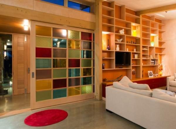 Деревянные двери межкомнатные со стеклянными вставками
