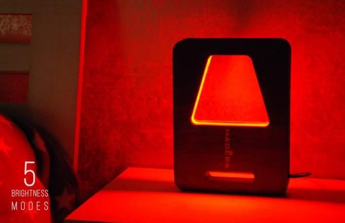 Настольная светодиодный светильник с дистанционной регулировкой яркостью