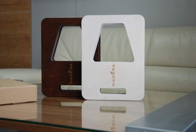 Настольная светодиодная лампа Madera 007 - дизайн и оттенки на фото