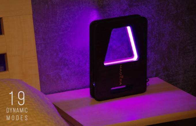 Настольная светодиодная лампа с регулированием яркости и RGB