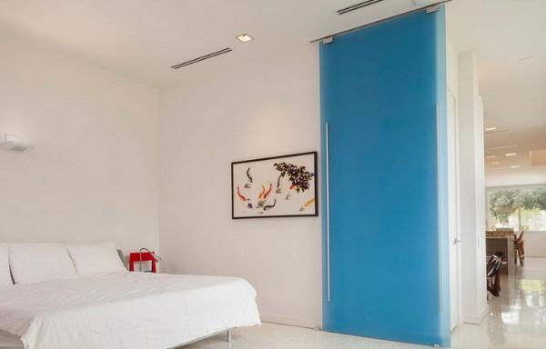 Стеклянные двери - фото раздвижной откатной модели