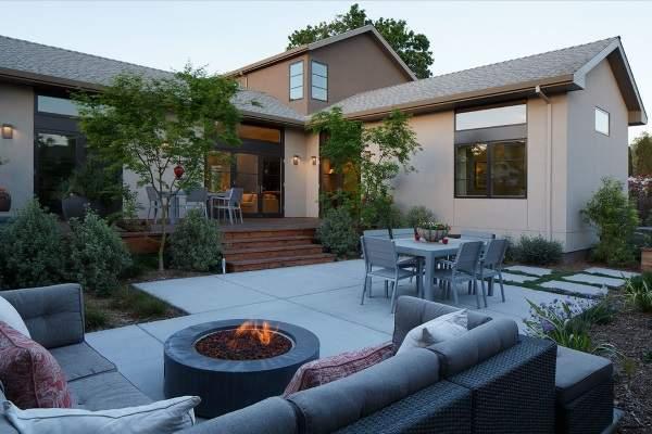 Стильный дизайн двора частного дома своими руками - идея как сделать