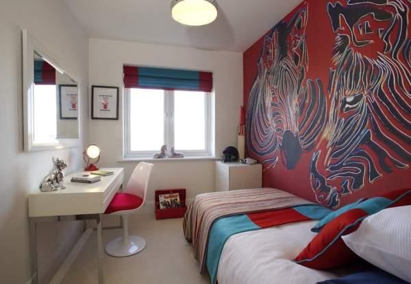 Яркие цвета для детской комнаты - фото красно-голубого интерьера