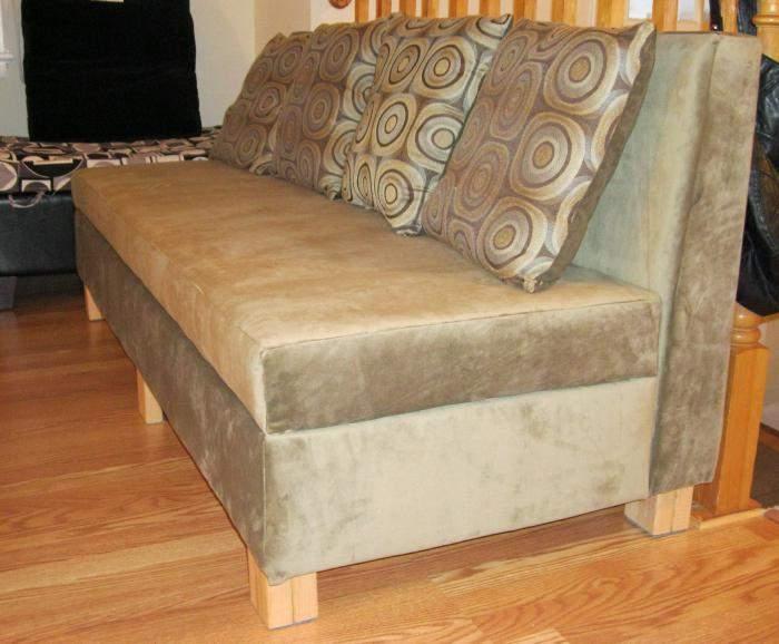 Мягкий диван с бархатной обивкой своими руками
