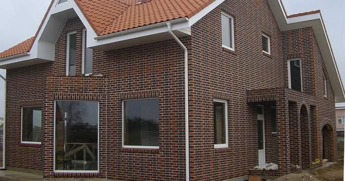 Фасады частных домов - фото облицовочного кирпича на стенах