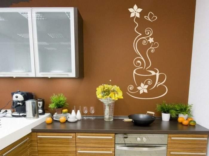 Декор стен на кухне своими руками - идея наклейки