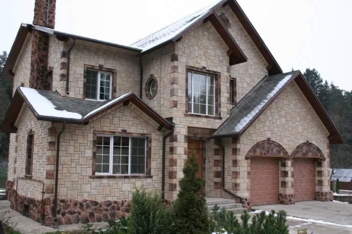 Фасады красивых домов с облицовкой под камень