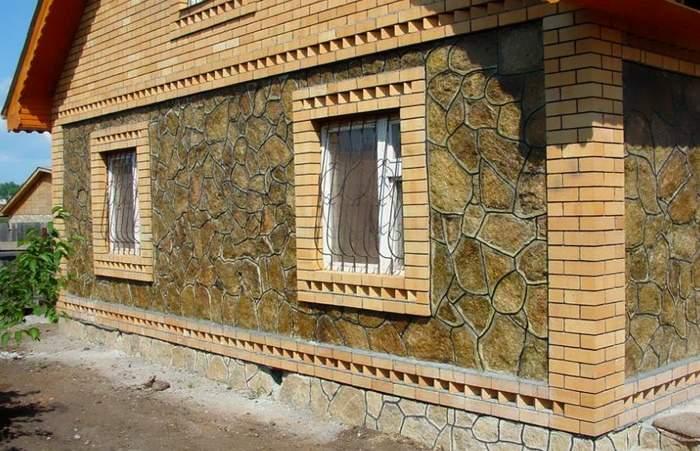Отделка фасадов домов натуральным камнем