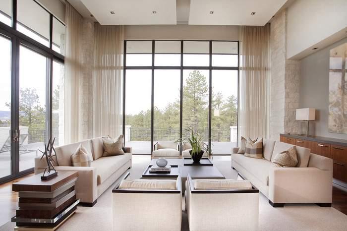 Большая квартира с панорамными окнами - фото интерьера