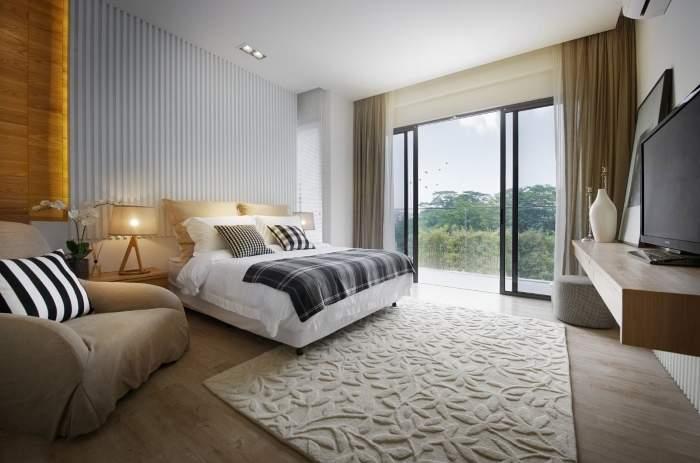 Спальня с панорамными окнами - фото красивого интерьера