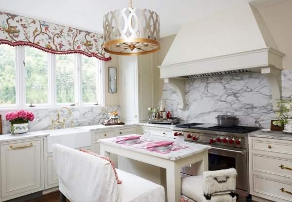 Белая классическая кухня - фото с идеями дизайна