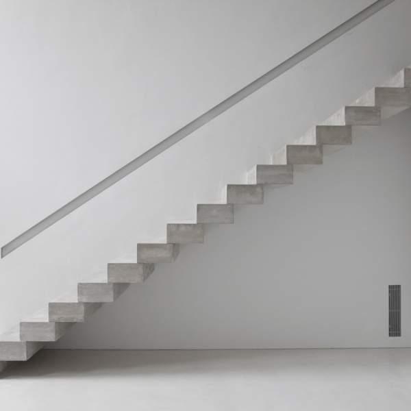 Виды лестниц в частном доме - консольная лестница из бетона
