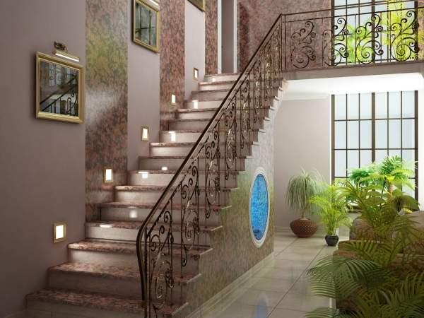 Шикарный дизайн прихожей с окном в частном доме