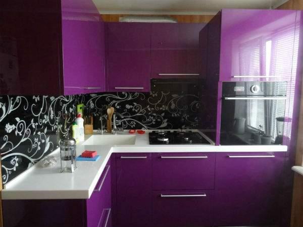 Современный дизайн маленьких комнат - кухня в квартире