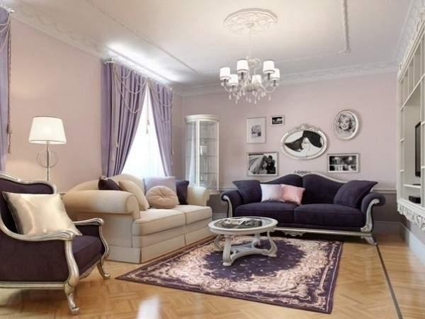 Интерьер классической гостиной в частном доме в сиреневых тонах