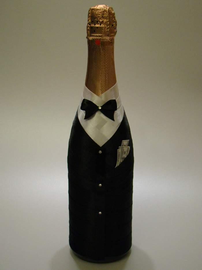 Как красиво украсить бутылку лентами на свадьбу - наряд жениха