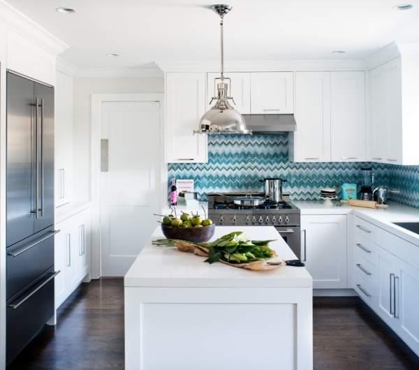 Какой фартук для белой кухни лучше выбрать