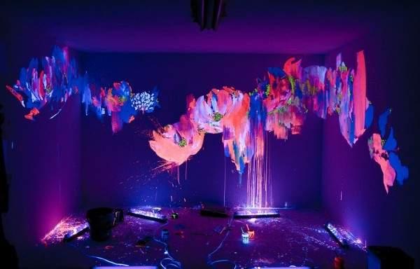 Идеи декора для дома своими руками - фото люминесцентных рисунков на стенах